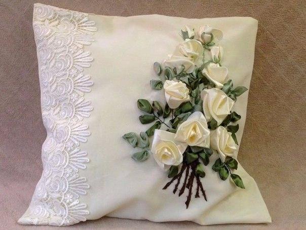 Подушка из атласных лент своими руками мастер класс 36
