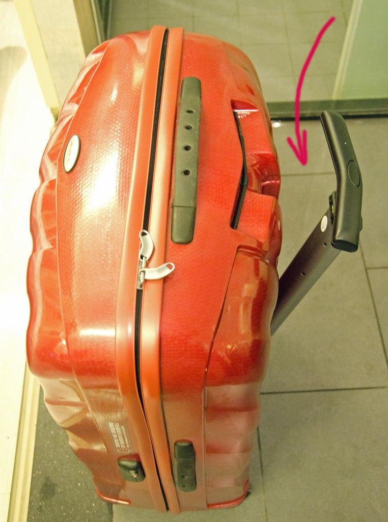 Ломаются ли чемоданы самсонайт чемоданы медведковской фабрики