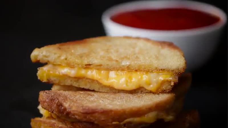 Как сделать 30 секундный шедевр о жареном сыре.