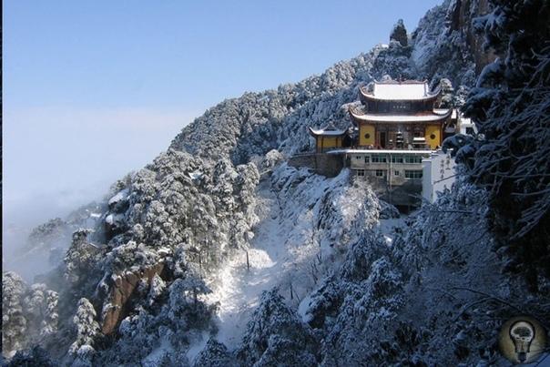 Священные горы Китая  девять символов духовности