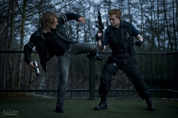 Leon vs Wesker Tribute with actual fighting