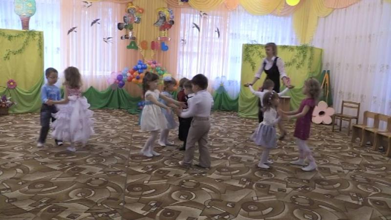 Танец для малышей Праздник муз.рук. Цилик Л.В.