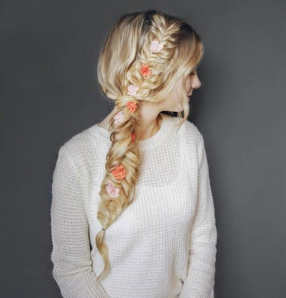 Причёска с цветами (7 фото)
