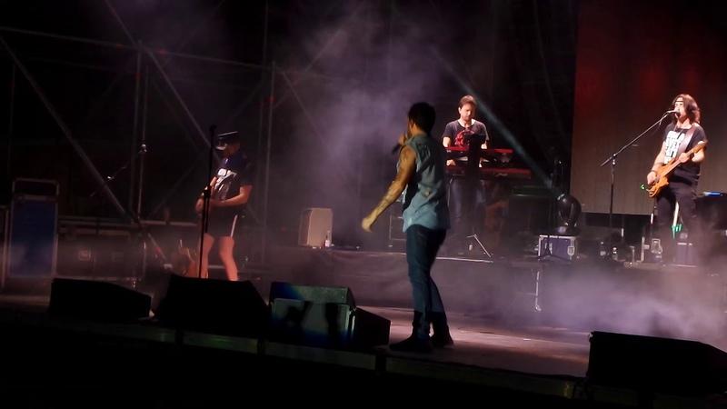 Fabrizio Moro Schierato da una sola Parte - Pianopoli 2018 Calabria