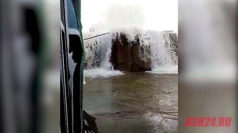 Амурчане рассылают видео якобы повреждения Нижне Бурейской ГЭС