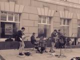 Уличный концерт кавер группы REASON на Покровке 1 мая 2018