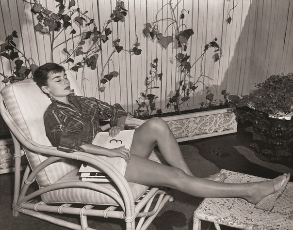 Фотографии с Одри Хёпберн в своей квартире на Манхеттене.