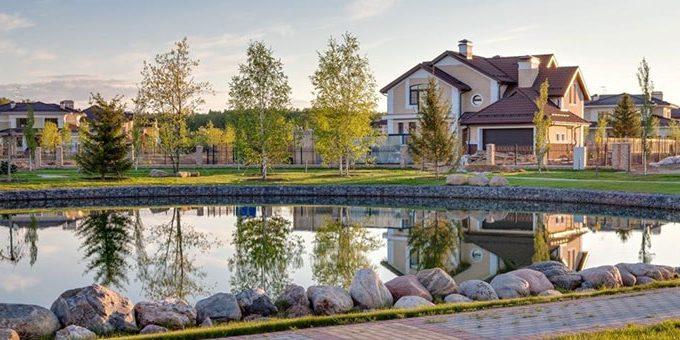 Как выбрать лучшие коттеджные планы на озере?