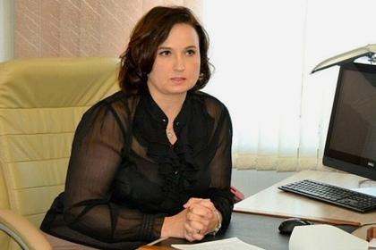 Сахалинская чиновница выписала себе премий на миллион рублей