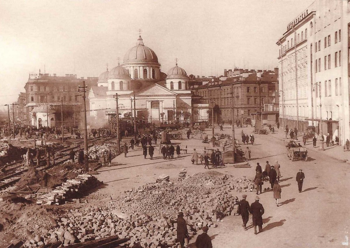 Фотографии старого петербурга пишут убираю
