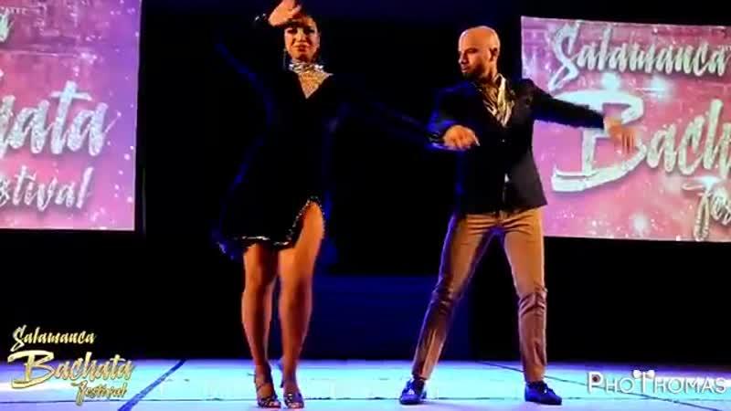 Красивая песня Давай Оставим Всё Как Есть 💗♫ Танцуют Хорхе Атака и Таня Алеман
