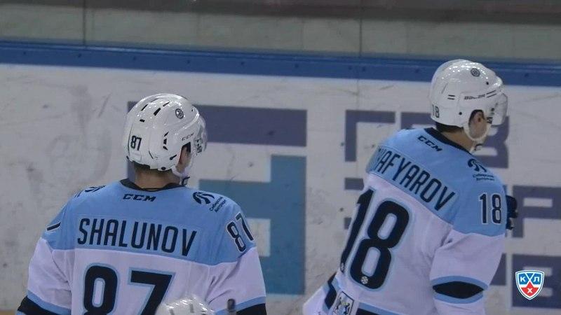 Моменты из матчей КХЛ сезона 14 15 Гол 2 1 Шалунов Максим Сибирь со средней дистанции послал шайбу в дальний угол 28 11