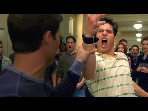 Драка Питера Паркера и Флэша Томпсона в школе. Крутой Момент. Человек-паук (2002)