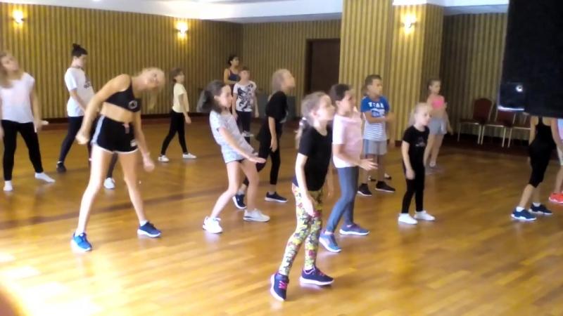 Академия звёздочек на танцевальных сборах