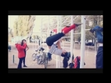 Девушки на турниках Спортивная гимнастика Girls on the horizontal bar Gymnastics