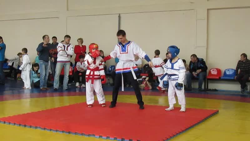 Эмиль Хайров 2й бой