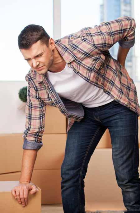 Боль в спине и усталость могут быть результатом хронического заболевания.