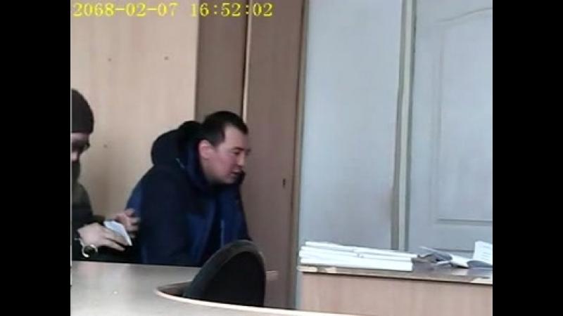 В Омске предпринимательница и ее сообщник признаны виновным в покушении на дачу взятки сотруднику полиции