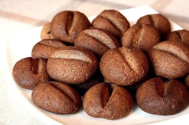 """Печенье """"Кофейные зерна"""". Вам потребуется: 60 гр. размягченного сливочного"""