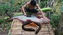 Wow! Unbelievable Eel In Big Fish - Cooking Eels in Banana Tree For Lunch