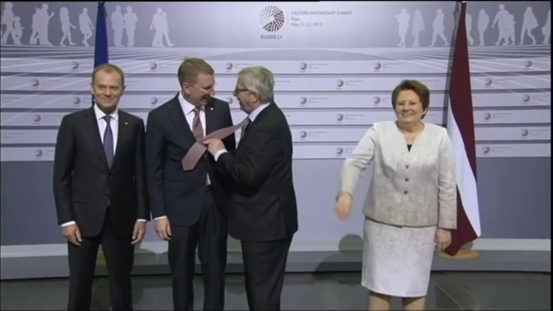 Jean-Claude Juncker drunk and bitch slaps leaders (720p_30fps_H264-192kbit_AAC)