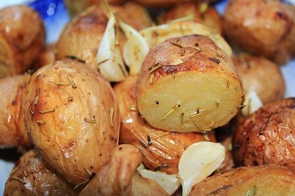 РЕЦЕПТЫ: Запечёный картофель с розмарином