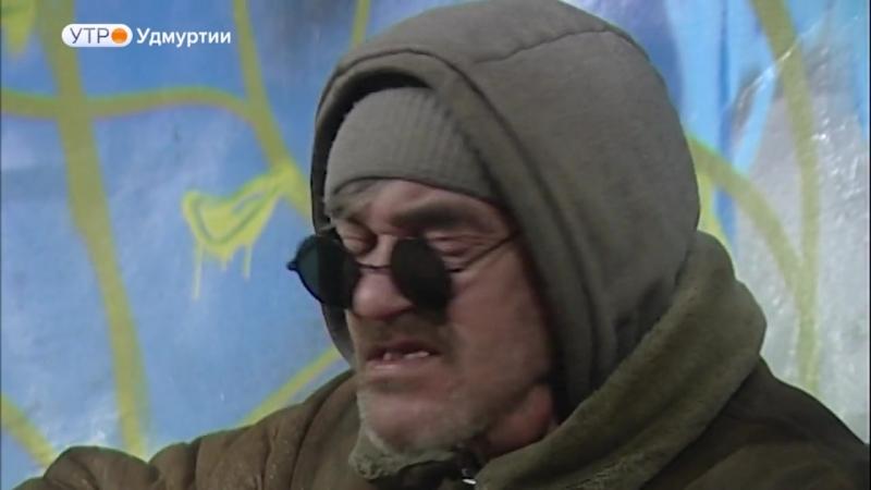 Ulichny_muzykant__39_izhevskiy_Makarevich_39_darit_svoe_tvorchestvo_prokhozhim