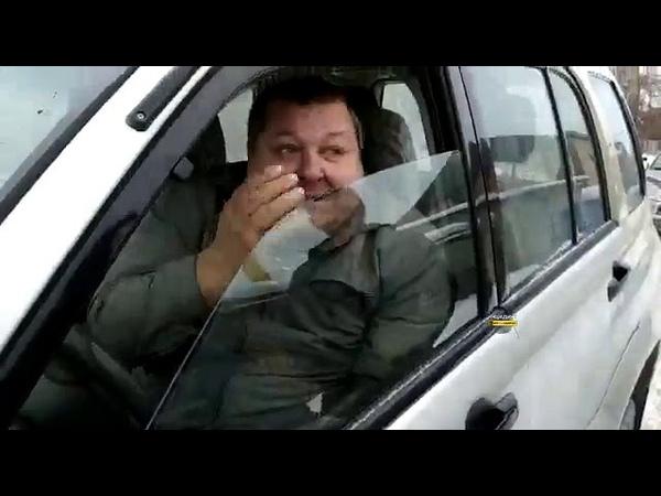 В Новосибирске агрессивный водитель Сузуки кидался с ножом на человека