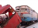12 осіб загинули 6 травмовані внаслідок зіткнення мікроавтобуса з потягом