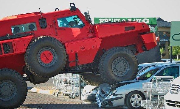 Автофакт Marauder – бронированный автомобиль, который признан в 2011 году одним из самых прочных в мире.