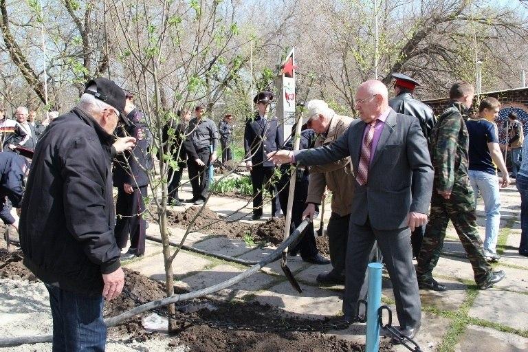 Таганрогские полицейские почтили память павших героев
