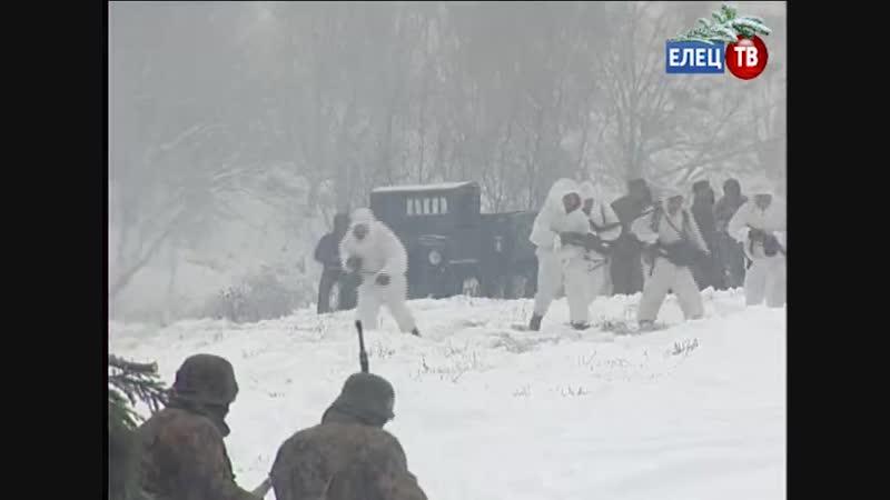 С боем взяли город Энск специальный репортаж о боевых действиях реконструкторов на берегу Быстрой Сосны