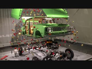 "Новогодняя ёлка из «копейки» в музее ""xx век авто"""