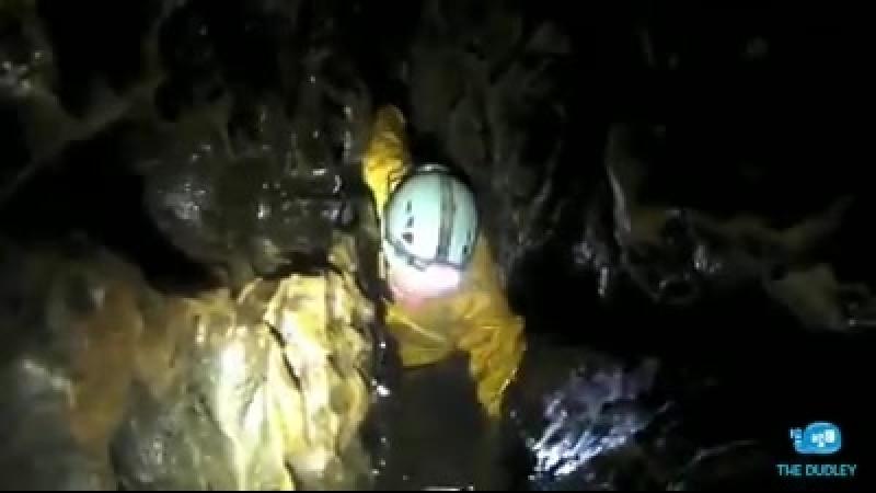 ⚡️ Последний ребенок и тренер эвакуированы из затопленной тайской пещеры. Спасат.mp4