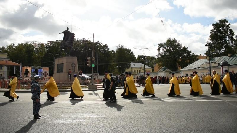 Крестный ход в праздник перенесения мощей св. Александра Невского в Санкт-Петербурге
