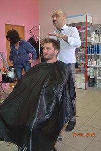 Где в Москве можно бесплатно подстричься?