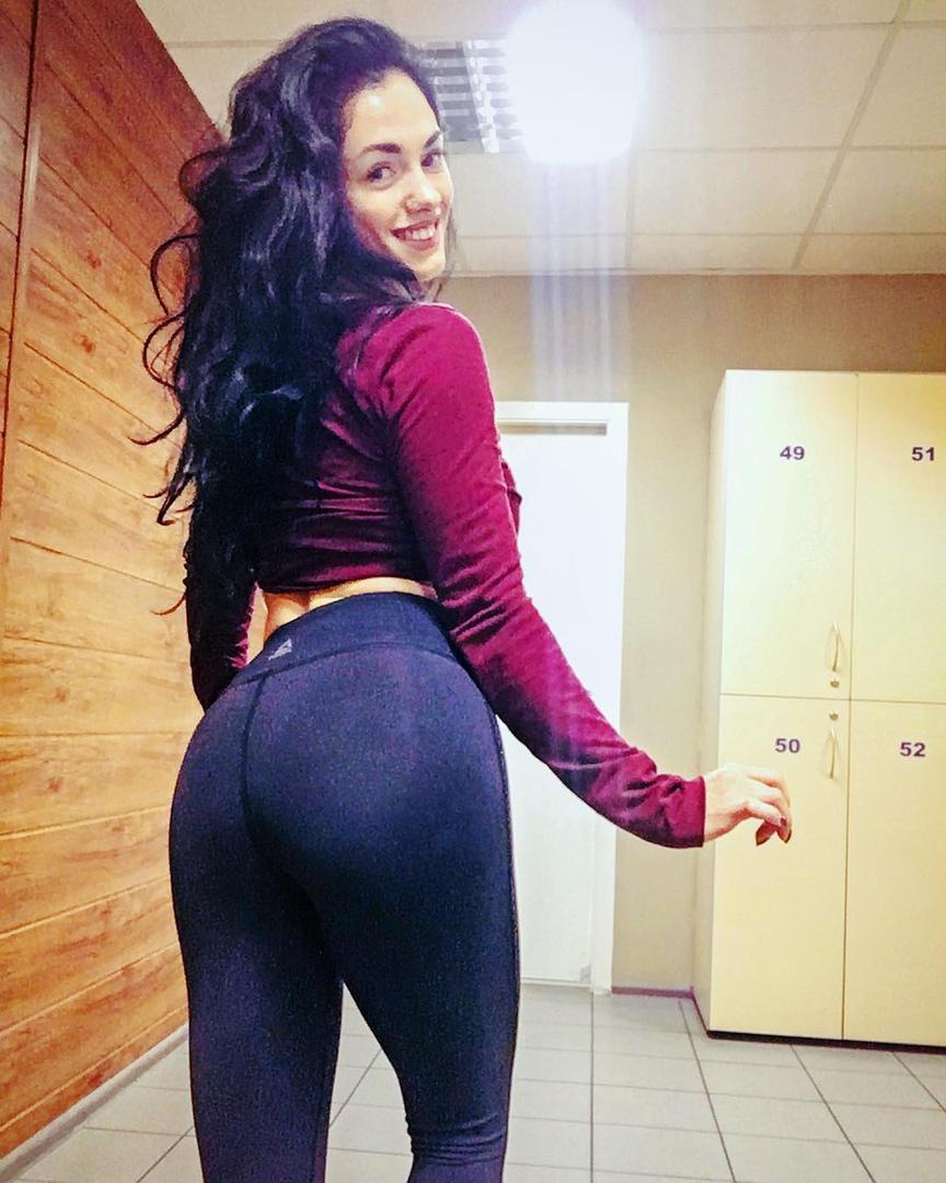 Big tits cam mirror