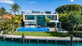 Tropical Modern Residence -- Lifestyle Production Group
