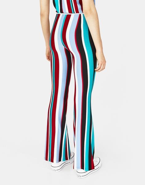 Расклешенные брюки в полоску