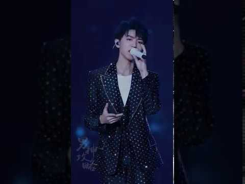 TFBOYS 王俊凱 不容錯過的精彩飯拍 王俊凱19歲生日會 翻唱陳奕迅經典粵語 27