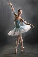 Балеринам и танцовщицам иногда требуется быстро сбросить вес, для этого многие из них каждый день делают интенсивную...