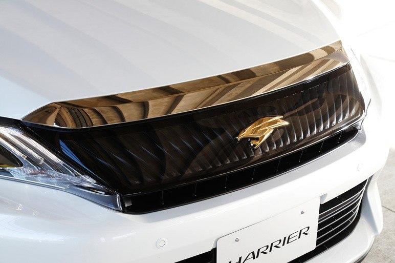 Решетка радиатора Toyota Harrier 2014