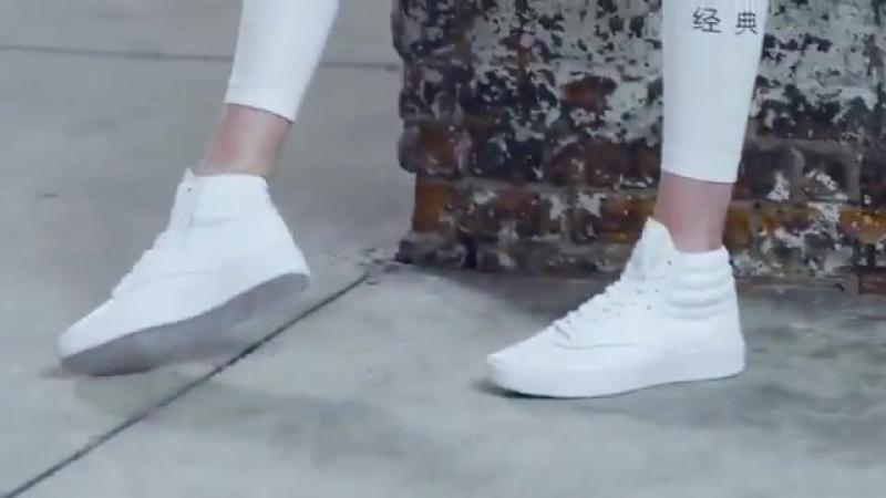 Mais um vídeo da Gigi Hadid para campanha BeMoreHuman da Reebok.