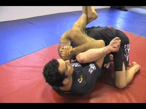 Braulio Estima - No Gi Counter Attack to underhook pass - Arm Lock - www.martialarts.world