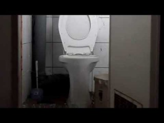 взрыв петарды в туалете мега фейл малолетки жгут