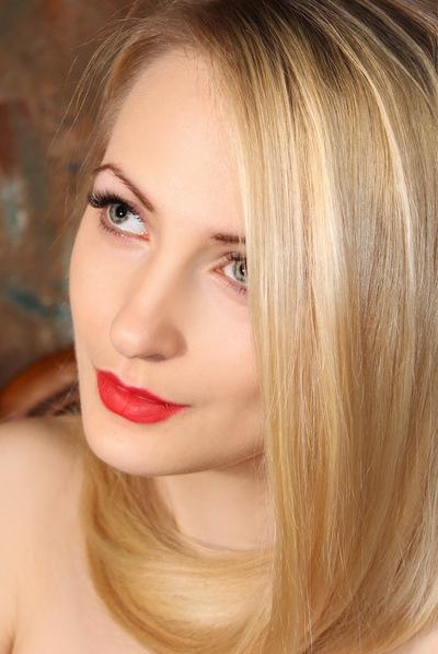 Виктория Кросс
