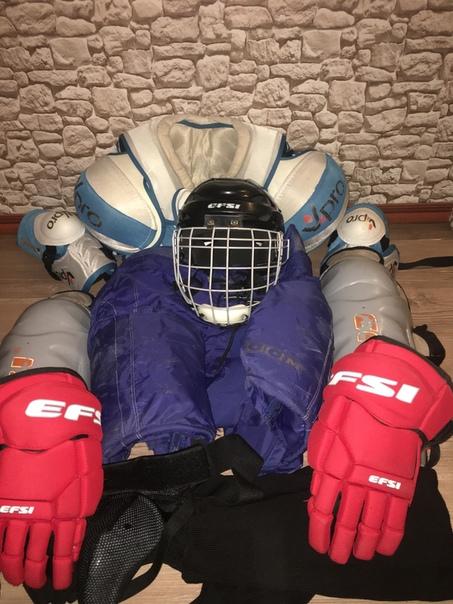Продам комплект хоккейной формы, для мужчины среднего роста, подойдет новичкуТел