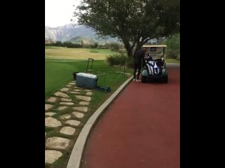January 15: Fan taken video of Justin playing golf in Los Angeles, California