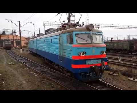 Красавец электровоз ВЛ10-1488 заезжает в депо