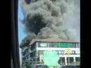 В Краснодаре полыхает ТЦ Северяне Площадь пожара 500 600 кв м И это в аккурат после града который был больше похож на